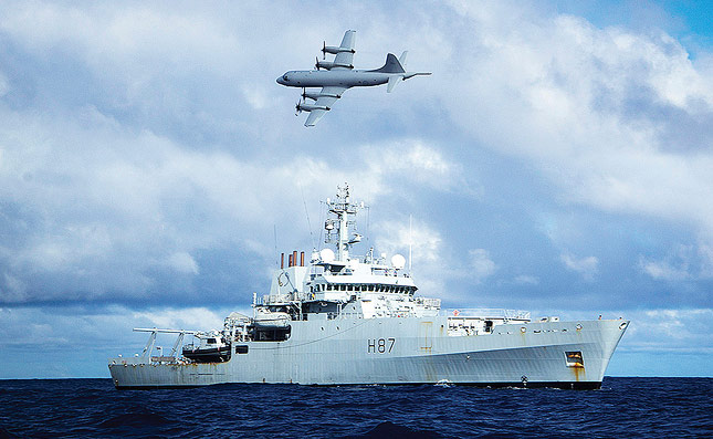 HMS Echo searches for MH370