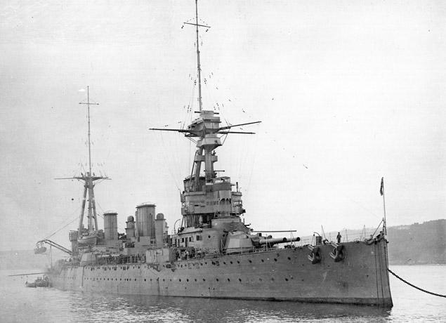 HMS-INDEFATIGABLE-b